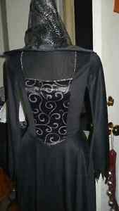 LADIE'S ADULT LOVELY BLACK GOTHIC WITCH GOWN & HAT COSTUME Kitchener / Waterloo Kitchener Area image 1