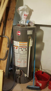 40 gallon Rheem water heater