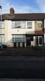 3 BED TERRACE HOUSE WITH GARDEN: TENTERDEN RD CHADWELL HEATH RM8 1PX