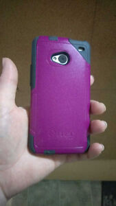 HTC One M7 with pink Otterbox. Please text.
