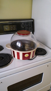 Old fashioned popcorn popper