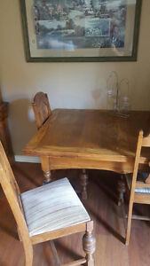 Antique Table, 6 chairs, hutch and buffet Cambridge Kitchener Area image 1