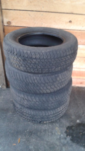 Set of 4 three season tires