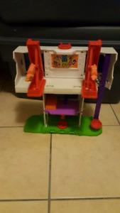 Fisher-Price Imaginext Teen Titan Playset