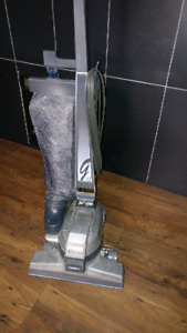 Kirby G4 upright vacuum