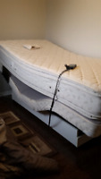 Single bed.in mint condition