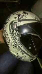 Like new, lightly worn womens Skidoo helmet - BRP Modular 2 Edmonton Edmonton Area image 1