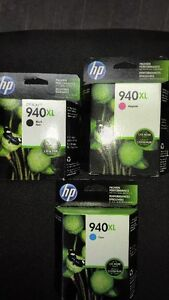 HP 940XL toners in magenta, cyan and black