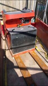 """Linde T-20 s battery operated """"stand-in"""" pallet truck"""