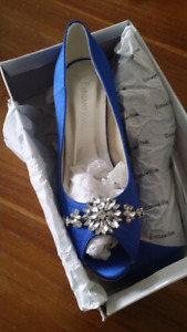 Blue wedding shoes size 9