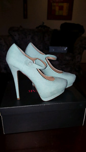 Mint green retro pumps BRAND NEW NEVER WORN size 8.5