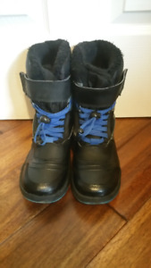 Boys Youth Winter Boots Size 5