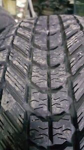 4 pneus d'hiver 225/60/R17 Firestone Winterforce