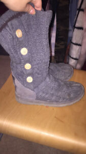 Selling my authentic uggs