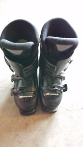 Beautiful pair of Black Nordica Ski Boots size 26.0