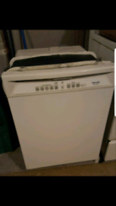 SELLING BEAUMARK DISHWASHER
