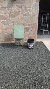 Broadcast seeder or salt sprader