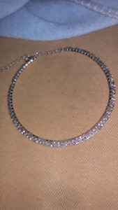 Sliver and diamond neckless