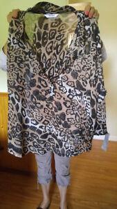 Womans size 16p leopard print top