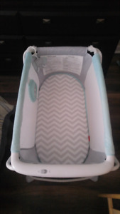 Fisher price fold up bassinet