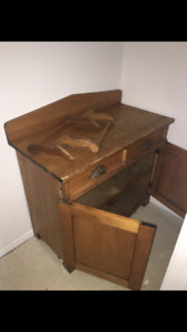 Antique wash table