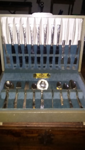 Sterling Silver plated Ustensils set. Rogers.    .