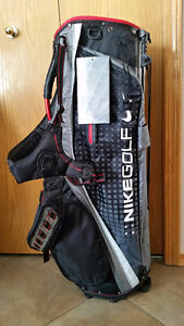 Brand New Nike LIghtweight Perfomance Carry Golf Stand Bag