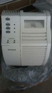 Honeywell 17000 HEPA QuietCare Air Cleaner