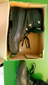 MENS WINTER BOOTS SIZE 12 LIKE NEW