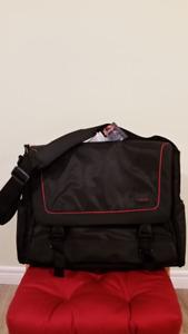 Belkin Laptop Messenger Bag