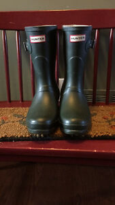 Short Green Hunter Boots Size 7 with Socks London Ontario image 1