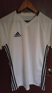 Adidas Men's Training/soccer shirt Medium