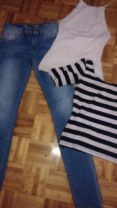 Lot vêtements Guess jeans 25 et tops small