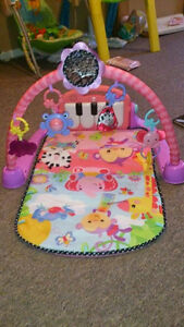 Fisher-Price - Kick & Play Piano Gym - Pink