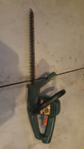 Black and Decker Electric Hedge Trimmers