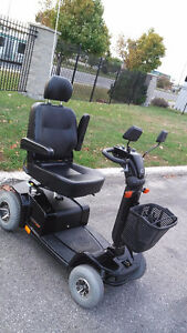 Pride Celebrity Mobility Scooter - Excellent Condition!