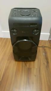 Giant Bluetooth speaker!