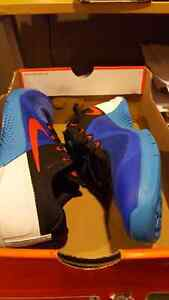 Nike runner. Brand new size 9 and 9.5 London Ontario image 3