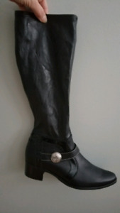 Leather boots new size 10b