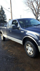2004 Ford F-150 Pickup Truck for parts or for fix give me offer