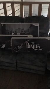 Wii Beatles Limited addition drum and guitar set