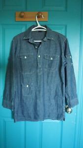 GAP - Womem's Light Blue Denim Shirt