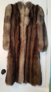 Manteau de fourrure en chat sauvage