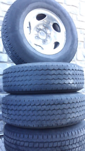4 F-150 (2005) Tires 245-75-R16 with rims TRAIL A/P