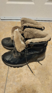 Snow boots **Barely used