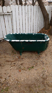 Clawfoot Tub / Garden Project