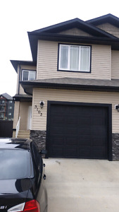 Duplex in North Edmonton (Hollick Kenyon) for rent August 1st