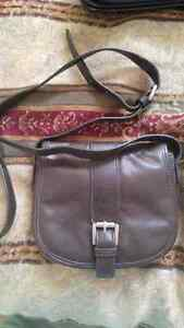 Town Shoes leather crossbody bag