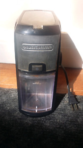 Coffee grinder - black and decker