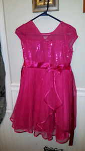Girls size 8 to10 dresses like new